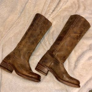 Frye boots! Distressed in brown